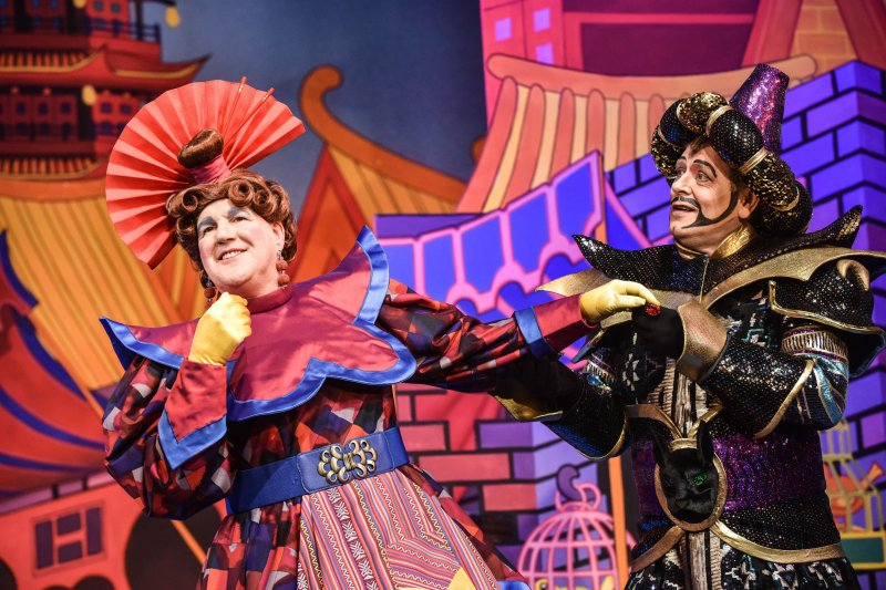 relaxed performances of pantos