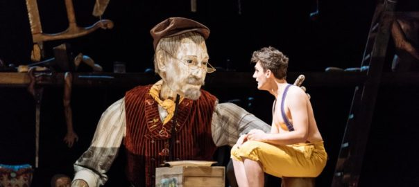 Geppetto (puppet), Joe Idris-Roberts(Pinocchio) relaxed performance